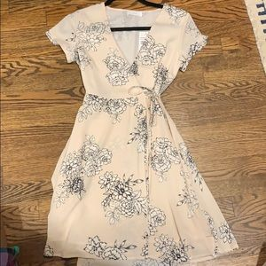NWT Lush Wrap Dress. Size XS. Blush floral